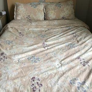 Lauren Conrad bed set